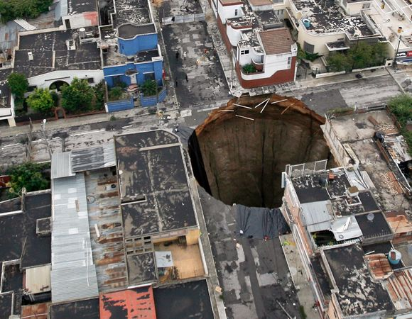 sinkhole in Guatemala City